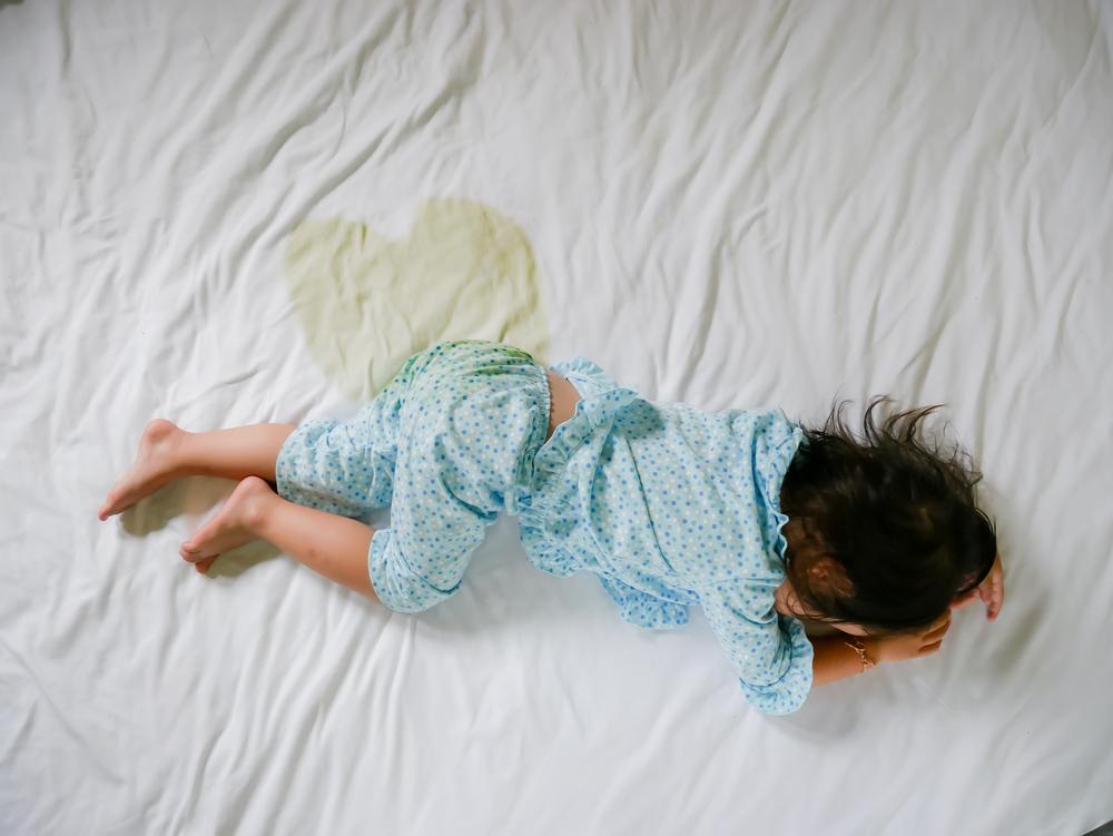 Bettnässen: Wie man Bettwäsche und Matratzen schützt und reinigt post thumbnail image